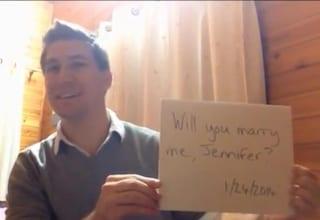 La proposta di nozze più originale: le chiede di sposarlo ogni giorno dell'anno (VIDEO)