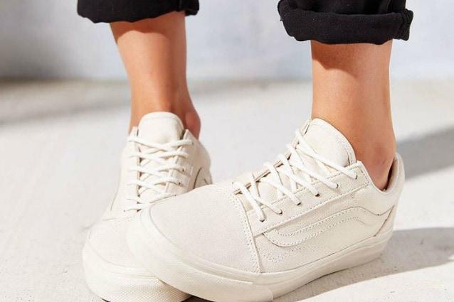 Come pulire le scarpe da ginnastica: a mano o in lavatrice