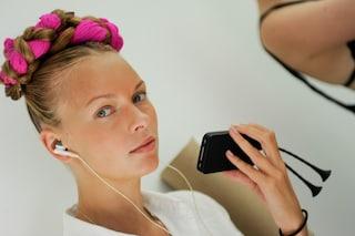 Tagliare i capelli per farli crescere: questo e altri miti beauty da sfatare
