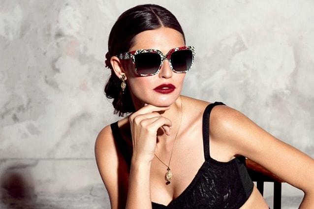 outlet c33cd e0647 Che viso hai? Scegli gli occhiali da sole giusti per te (FOTO)