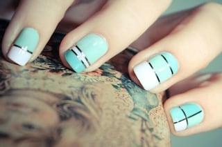 Le unghie della settimana: la manicure è a righe (FOTO)