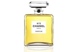 Chanel N°5 compie 94 anni ed è ancora il profumo più amato al mondo