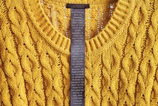 L'etichetta degli abiti che indossiamo non dice la verità