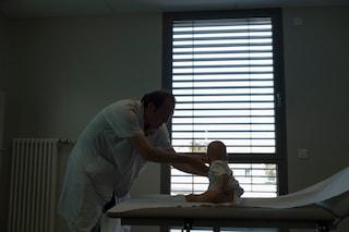 La bimba nata senza naso avrà un nuovo volto grazie alla chirurgia