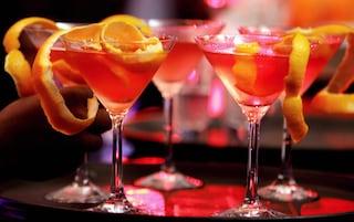 Gin tonic o rum e coca? Ecco quanto zucchero contengono i cocktail alcolici