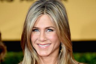 Lo scotch antirughe di Jennifer Aniston: addio borse sotto gli occhi e zampe di gallina