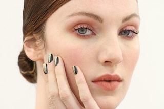 Vuoi un make-up a lunga durata? Prova i primer per occhi, viso e labbra (FOTO)
