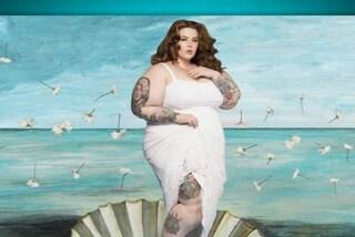 Tess Holliday diventa la Venere di Botticelli in versione curvy (FOTO)