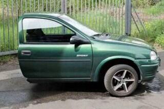 Taglia a metà auto e cellulare dell'ex: la vendetta per essere stato lasciato (FOTO)