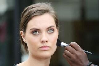 Come evitare che il sudore rovini il trucco? I consigli per un make up anti afa (FOTO)