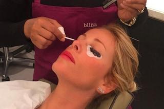 Cosa starà facendo Alessia Marcuzzi? Svelato il misterioso trattamento di bellezza