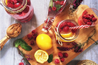"""""""Detox water"""", le ricette per preparare a casa tua l'acqua aromatizzata (FOTO)"""