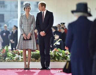 Il segreto di Kate Middleton per resistere sui tacchi alti? Solette in pelle di pecora