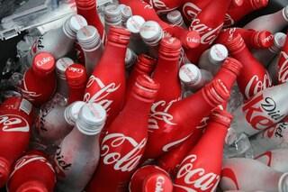 Rimedi di bellezza a base di Coca Cola: provala sui capelli