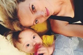 Il bimbo con la sindrome di Down divenuto una star su Instagram grazie alla mamma modella