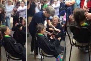 A 11 anni tagli i capelli per la prima volta e li dona ai malati di cancro