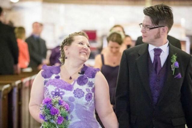 Lavora Mille Ore Alluncinetto Per Creare Il Suo Abito Da Sposa