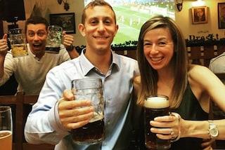 Essere il terzo incomodo e andarne fiero: l'esilarante profilo Instagram (FOTO)