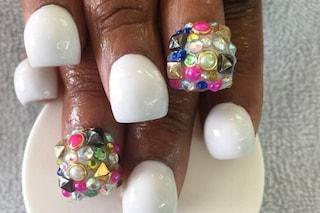 Bubble nail, la (folle) nuova tendenza che vuole unghie a forma di bolla (FOTO)