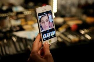 Elimina i difetti e le imperfezioni nelle foto: 5 App per ritoccare i tuoi selfie (FOTO)