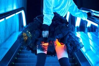 Hikaru Skirt: la minigonna brillante che illumina le gambe