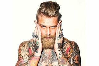 Metà vichingo metà boscaiolo: il modello tatuato più sexy dei social (FOTO)