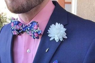Addio alla cravatta: uomini sexy in papillon invadono Instagram (FOTO)
