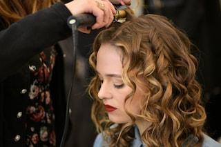 Come proteggere i tuoi capelli dallo stress e dai cambi di stagione