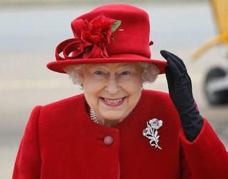 Elisabetta, la sovrana più longeva: 63 anni di regno in 63 cappellini (FOTO)