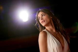 Sguardo ammaliante e corpo da top model: Elisa Sednaoui, madrina del Festival di Venezia