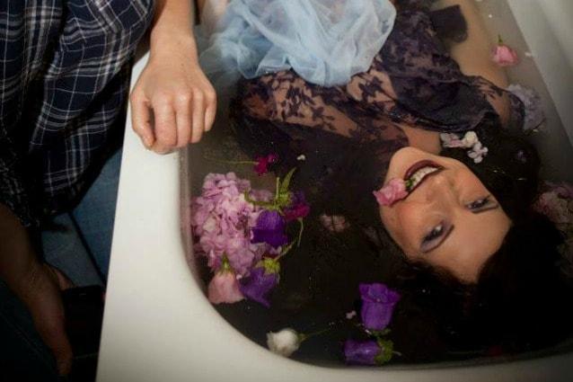 Vasca Da Bagno Gravidanza : E incinta e fotografa i suoi sbalzi dumore: le donne in gravidanza