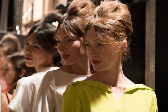 Trecce, ricci e frisè: 7 tendenze capelli dalle passerelle ...