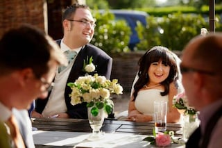 La sposa più bassa al mondo realizza il suo sogno: sposare l'uomo della sua vita