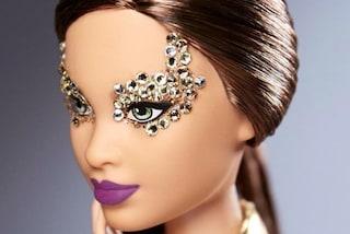 Piercing, trucco pesante e capelli rasati: il nuovo stile di Barbie