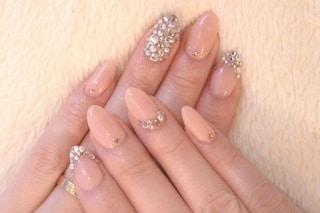 Le unghie della settimana: la nail art gioiello (FOTO)