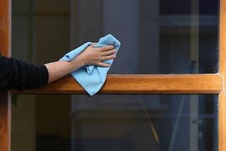 I trucchi per pulire le finestre di casa in modo rapido