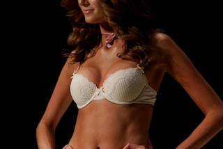Ecco cosa succede quando donne diverse indossano lo stesso modello di reggiseno