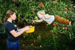 """""""Wil può volare"""": il papà torna a fotografare il figlio affetto dalla sindrome di Down"""
