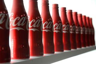 """I 5 usi """"alternativi"""" della Coca-Cola per le pulizie di casa"""