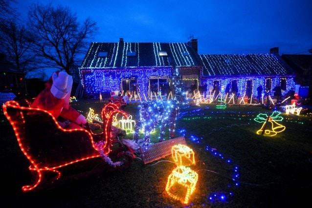 Decorazioni Luminose Natalizie Per Esterni : Le migliori decorazioni natalizie da esterno per accogliere al