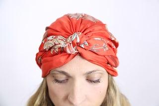 Un turbante per combattere il cancro: Mantero esalta la bellezza delle donne malate