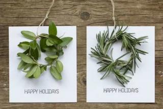 """Biglietti di Natale """"fai da te"""" col riciclo creativo (FOTO)"""