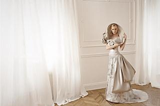 Spose curvy: è nata la prima linea di abiti che esalta le donne formose