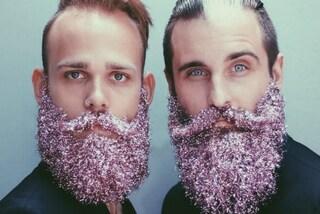 Barbe glitterate: ecco la moda che spopolerà tra gli hipster a Natale (FOTO)
