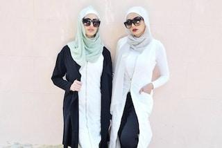 Hijab scambiati per bandiere islamiche: la polizia interrompe il servizio fotografico