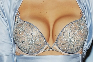 Ecco cosa succede realmente alle donne con il seno grande quando acquistano un reggiseno