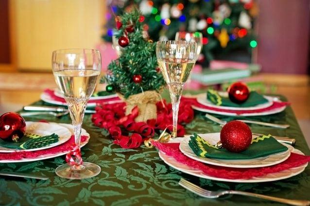 Come Decorare La Tavola Per Natale.Come Apparecchiare La Tavola Di Natale Idee E Consigli Per