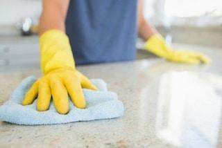 Gli 8 trucchi per semplificarsi la vita nelle faccende domestiche