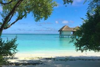 Matrimoni da sogno: alle Maldive la chiesa è circondata dal mare (FOTO)