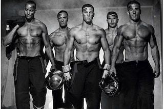 Muscoli e coraggio: il calendario 2016 dei sexy pompieri (FOTO)